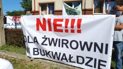 Protest przeciwko budowie żwirowni w Bukwałdzie