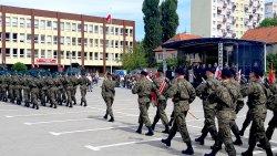 Piknik wojskowy na Placu Solidarności w Olsztynie