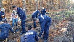 Sadzenie lasu z okazji 100-lecia Policji