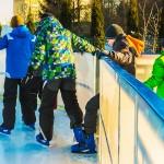 Łyżwiarze w Ełku szaleją już na lodzie