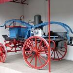 Ekspozycja sprzętu strażackiego przełomu wieków