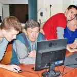 Seniorzy opanowali obsługę komputera