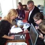 W Światowym Dniu Tabliczki Mnożenia uczniowie sprawdzają dorosłych