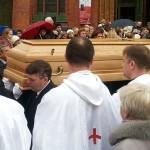 Ostatnia droga księdza infułata Juliana Żołnierkiewicza – posłuchaj i zobacz zdjęcia
