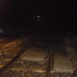Samochód wjechał pod pociąg na niestrzeżonym przejeździe. Kierowca w ciężkim stanie