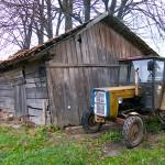 13-latek przygnieciony przez traktor