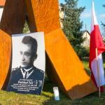 """Młodzież uczciła 64. rocznicę śmierci generała Fieldorfa """"Nila"""""""