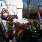 Olsztyńskie organizacje chcą przeniesienia pomnika generała za granicę