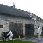 Dodatkowa pomoc dla zdejmujących azbest z dachów