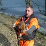 Uratowano psa, który utknął na środku jeziora