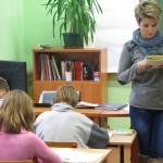 Tysiąc nauczycieli może stracić pracę?
