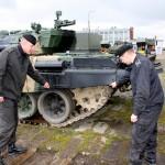"""Oddają T-72, czekają na """"Twardego"""""""