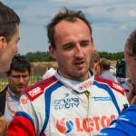 Hołek się wycofał, Kubica urwał koło :-(