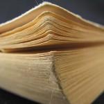 Gratka dla miłośników historii Mrągowa. Biblioteka miejska otrzymała książkę o przedwojennej szkole