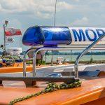 Na Niegocinie ratownicy MOPR ratowali żeglarzy, których łódź wywróciła się na wodzie