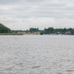 Będzie bezpieczniej i ekologicznie. Linia energetyczna przeniesiona pod dno między jeziorami Płaskie i Jeziorak