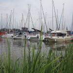 Dziennikarze-żeglarze rywalizują na jeziorze Mikołajskim