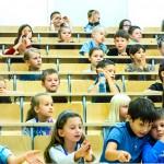 Młodzi odkrywcy rozpoczynają naukę na uniwersytecie
