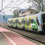 Jeden bilet kolejowy zamiast trzech.  Ale tylko w Intercity, PolRegio i SKM