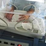 Noworodek wypadł z inkubatora