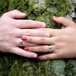 Jak sprawnie i bez stresu zorganizować wesele? Przyszłe pary młode szukają ślubnych inspiracji
