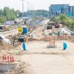 Na budowie linii tramwajowej ciągłe awarie wodociągów