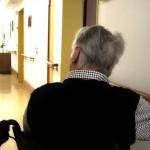Alzheimer najczęściej dotyka osoby po 65. roku życia. W Bliższych Spotkaniach wszystko o objawach i terapii