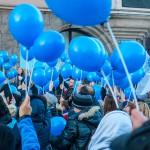 Niebieskie światełko rozbłyśnie nad Olsztynem. Z okazji Światowego Dnia Autyzmu mieszkańcy spotkają się przed ratuszem