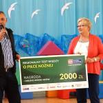 Z. Szymula przekazał nagrodę Radia Olsztyn szkole w Biesalu
