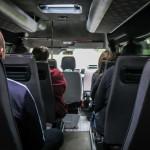 Busem na 9 osób przewoził 19