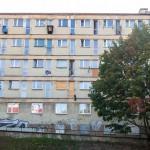 """Okryty złą sławą olsztyński """"samotniak"""" doczekał się remontu. Powstanie ponad 80 mieszkań. Kto z nich skorzysta?"""