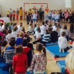 Taniec z nauczycielami zamiast uroczystego apelu