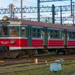 Silny wiatr na Warmii i Mazurach unieruchomił wczoraj 6 pociągów
