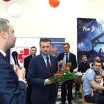 Minister Mariusz Błaszczak złożył życzenia repatriantom z Donbasu i Mariupola