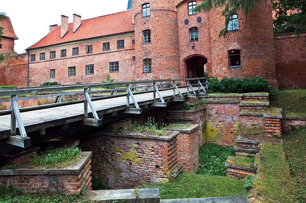 Fragmenty murów obronnych we Fromborku, fot. Sławomir Ostrowski