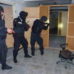 Policjanci uczą się zatrzymywać niebezpiecznych przestępców
