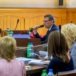 Radni udzielili absolutorium prezydentowi Olsztyna i nie zgodzili się na obniżenie mu wynagrodzenia