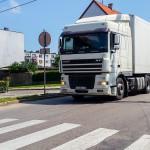 Tiry zatruwają życie mieszkańców jednej z ulic Olsztynka