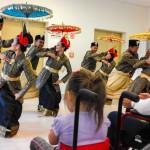 Tancerze z Indonezji zauroczyli małych pacjentów szpitala