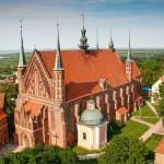 Radosne świętowanie w sanktuariach we Fromborku, Gietrzwałdzie i Świętej Lipce. Uroczystości odpustowe trwają cały dzień
