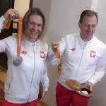 Kolarka Anna Harkowska cieszy się ze srebrnego medalu, zdobytego podczas paraolimpiady w Rio. Fot. Katarzyna Piasecka