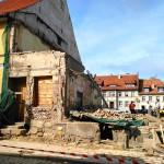 Prokuratura przygląda się sprawie zawalenia części kamienicy w Reszlu