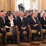 Pedagodzy z Warmii i Mazur odebrali wysokie odznaczenia na Zamku Królewskim