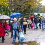 Polacy tłumnie odwiedzają groby najbliższych – ZDJĘCIA