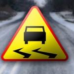 Ciężkie warunki jazdy na Warmii i Mazurach. Oblodzone drogi