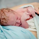 W Elblągu rodzi się coraz więcej dzieci. Modne imiona to Antoni i Lena