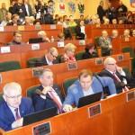 Radni sejmiku o rynku pracy na Warmii i Mazurach, internecie szerokopasmowym i sytuacji w Korszach