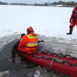 Quadem wjechali na zamarznięte jezioro. Załamał się pod nimi lód, jedna osoba nie żyje