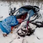 Bezdomna, która spała w namiocie trafiła do schroniska