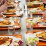 Uczniowie mają zbyt krótkie przerwy na obiad